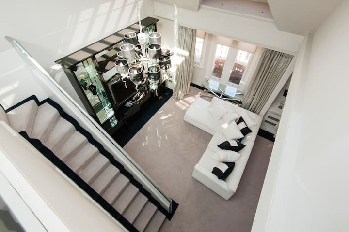 Large, spacious 5* terraced penthouse for families