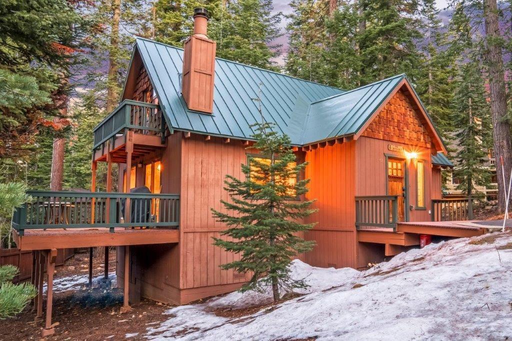 Cozy tahoe cabin chalet in affitto a tahoe vista for Animali domestici della cabina del lake tahoe