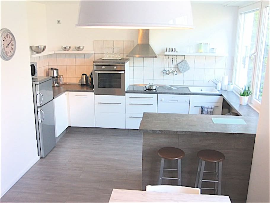 voll ausgestattete Küche / fully furnished and equipped kitchen