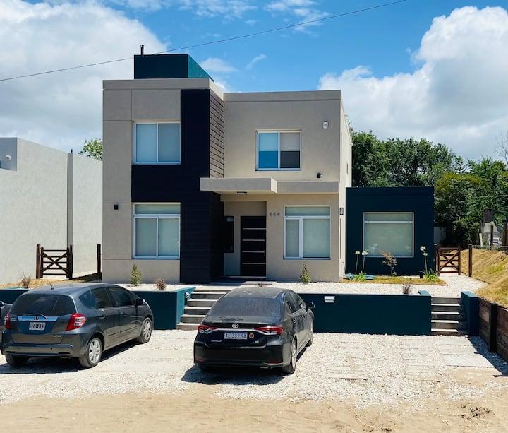 Casa N°5 en Pinamar para 12 Pax, a 350 mts Playa