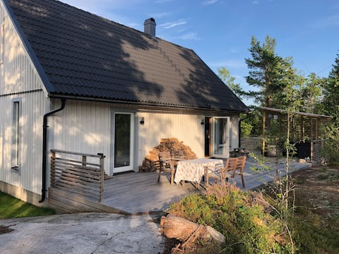 Beautiful holiday home a short walk from the sea