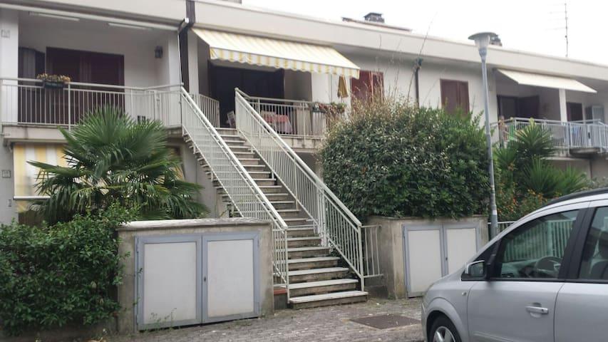Splendido appartamento con mansarda a Luni Mare - Luni Mare - Casa