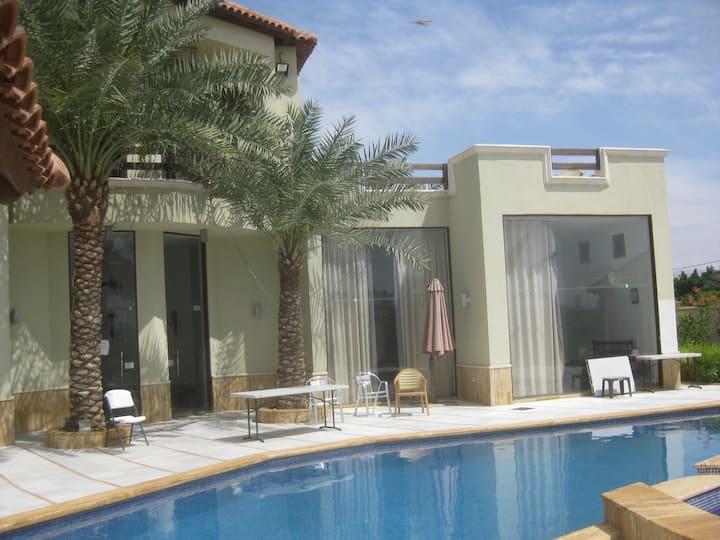 2 Suites in moderner Jordantal Farm-Villa mit Pool
