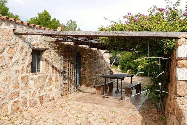 maison en pierres dans propriété arborée / mer
