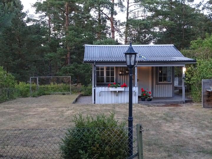 Mysig stuga 400 m från Äspetstranden i Åhus