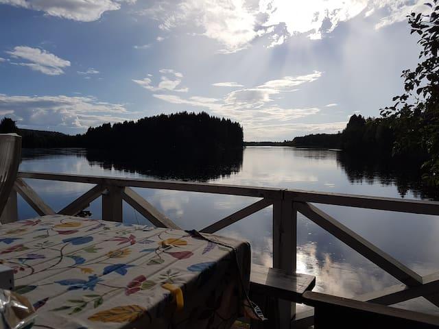 Idyll i Dalarna - Nyrenoverad stuga vid Dalälven