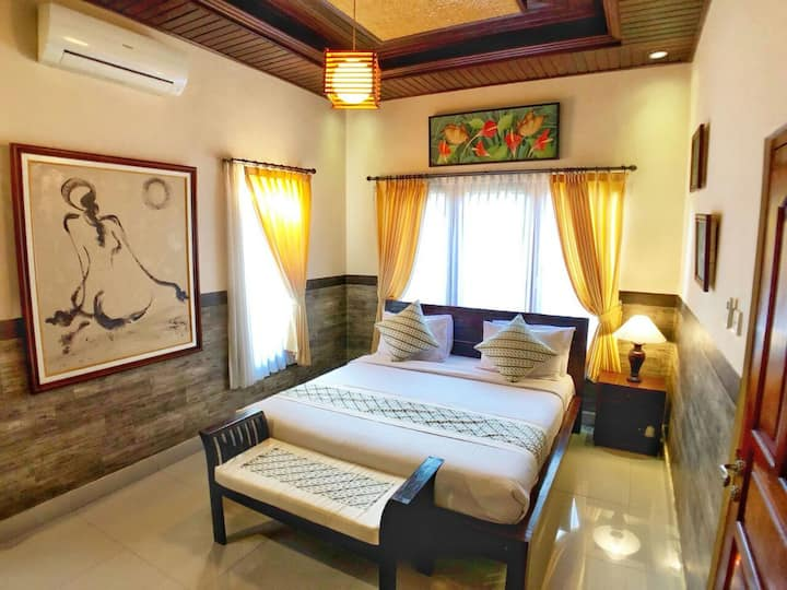 Excellent Budget Private room in town, Ubud, Bali
