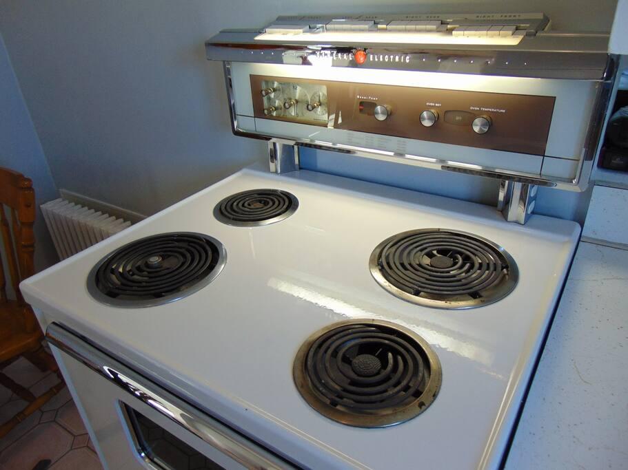 Stove / oven circa 1960