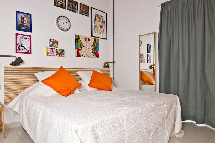 Studio Seafront Apartment 2 adults- RM7