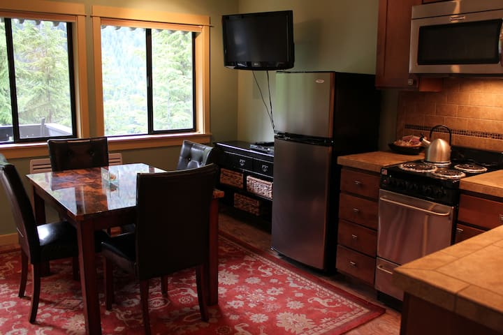 Crystal Chalets Preferred #523- Crown Point