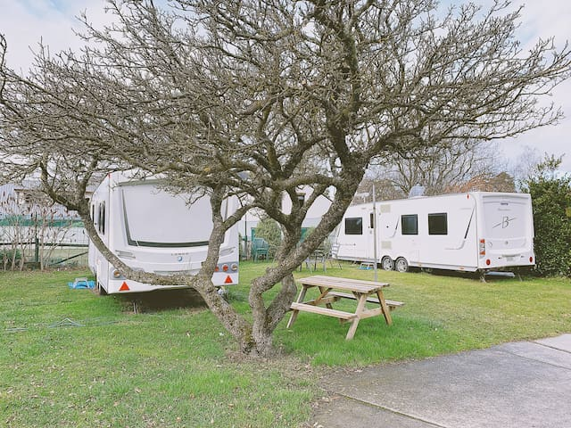 Self-contained Caravan - Archway Motels