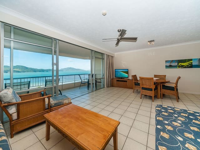 Resort-style apartment with panoramic beach views! - Whitsundays - Apartamento