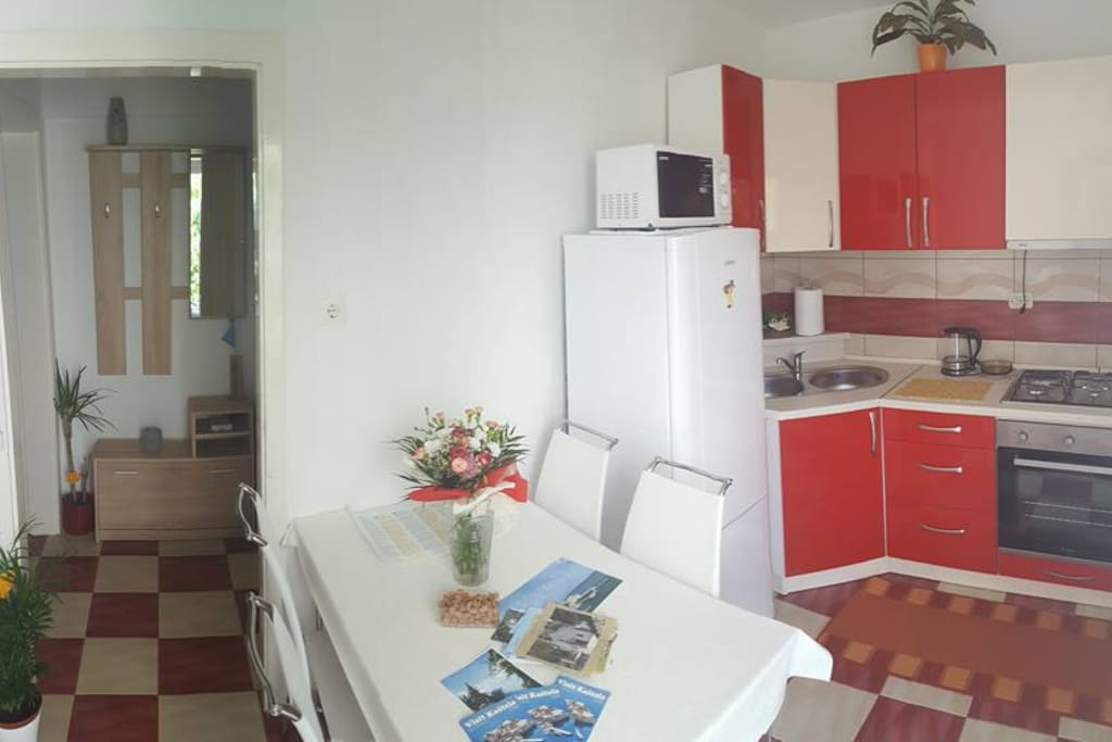 This is a panorama shot so you get a feeling of the space....