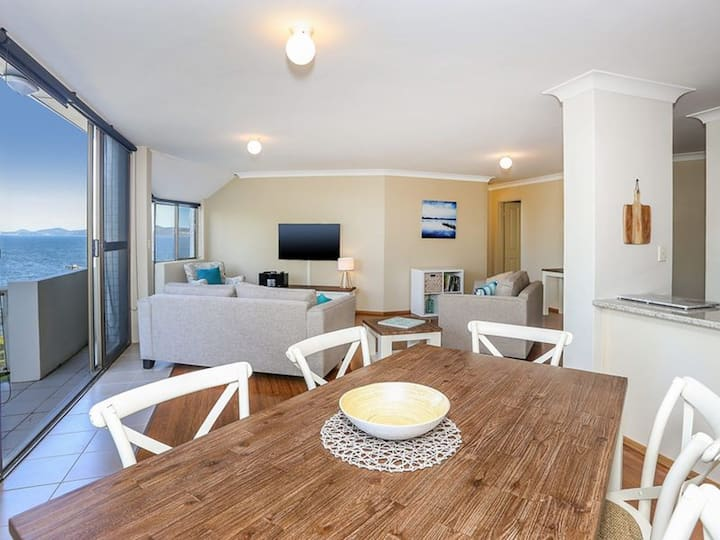 Spectacular Views & Walking distance to the beach!