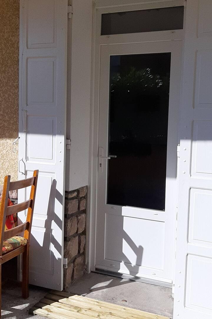 Chambre dble, entrée & SdB privées. Proche Vichy