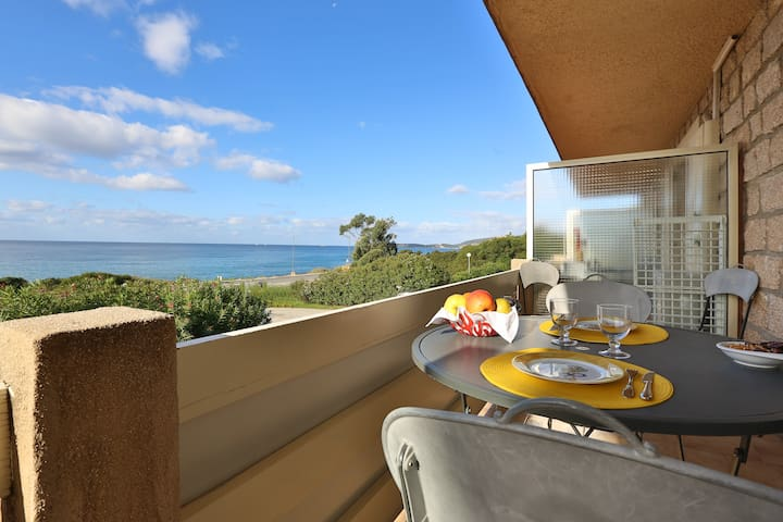 Asphodèle 3 vue panoramique sur la mer