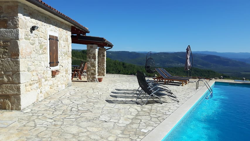 House Lunja, open views from private pool, Istria