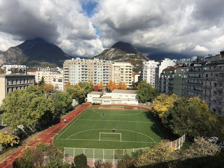 Appartement lumineux et fleuri à Grenoble