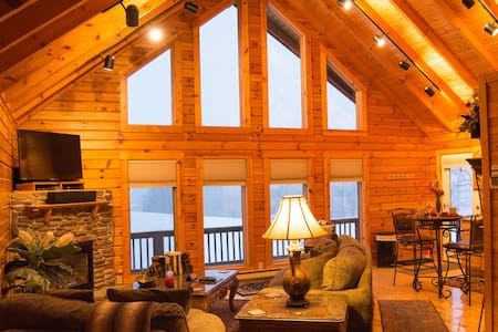 ✧King Cabin- hot tub, KING bed - NO CLEANING FEE
