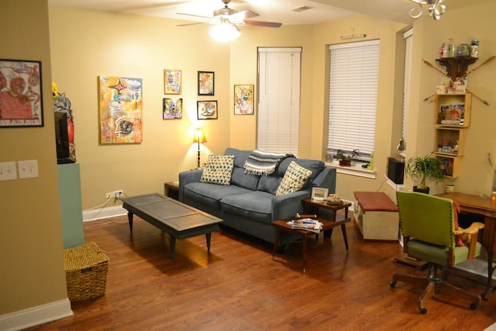 Private Rm w/all the perks mins from Wicker Park - Chicago - Apartament