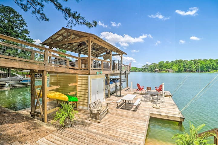 NEW! Lake Martin Cabin w/ Luxury Dock & Kayaks!