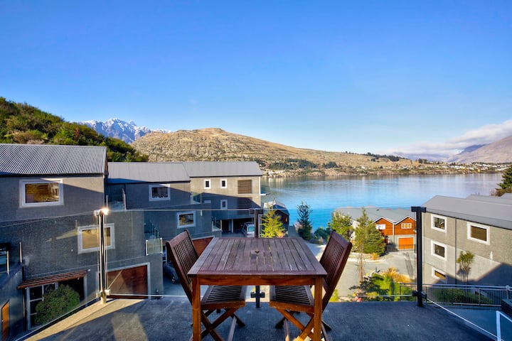 Panoramic Views of Queenstown's Lake and Mountains