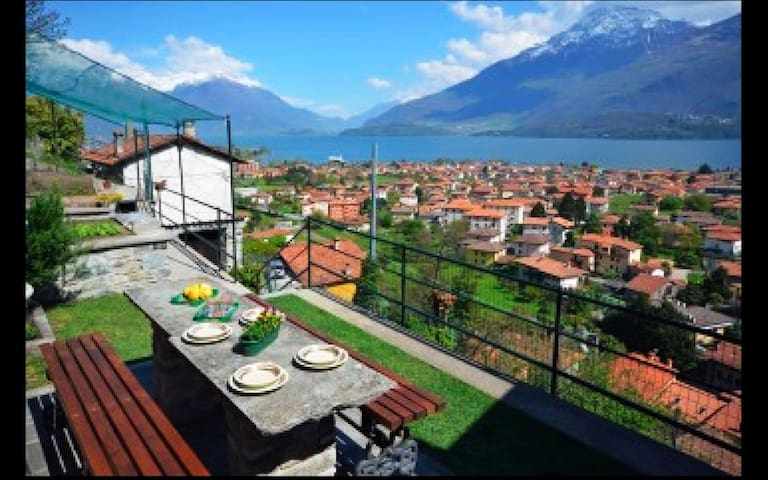Casa Gobbetti with amazing terrace with lake view - Dongo - Haus