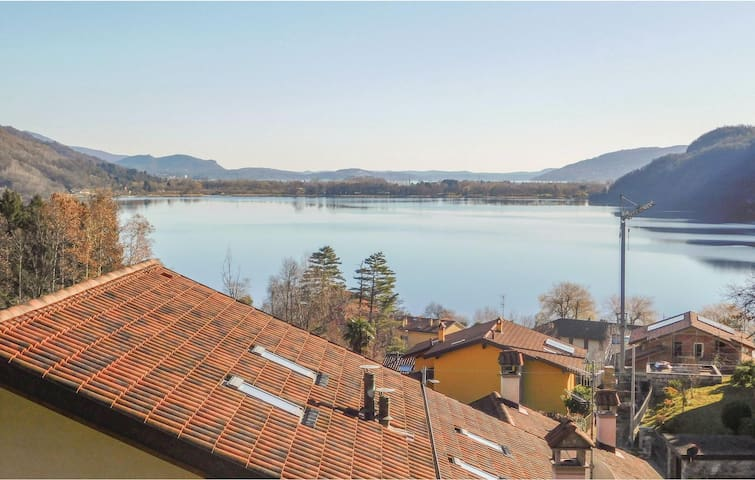 Terraced house with 2 bedrooms on 75m² in Mergozzo (VB)