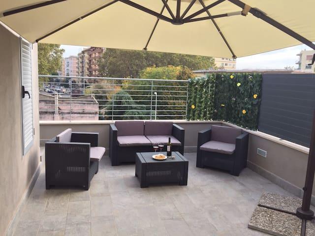 Loft con terrazzo in zona pigneto - Rome