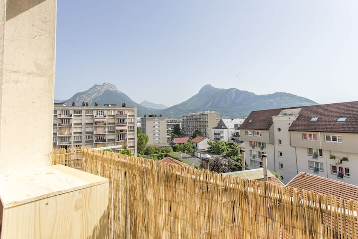 MODERN AND COZY APARTMENT - NEAR GRENOBLE CITY CENTER