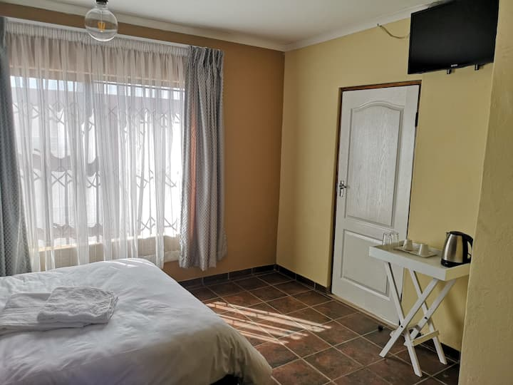 Beverly Hills Inn (Exclusive Accommodation)