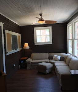 Bunk beds in large historic home - Gaffney - Casa