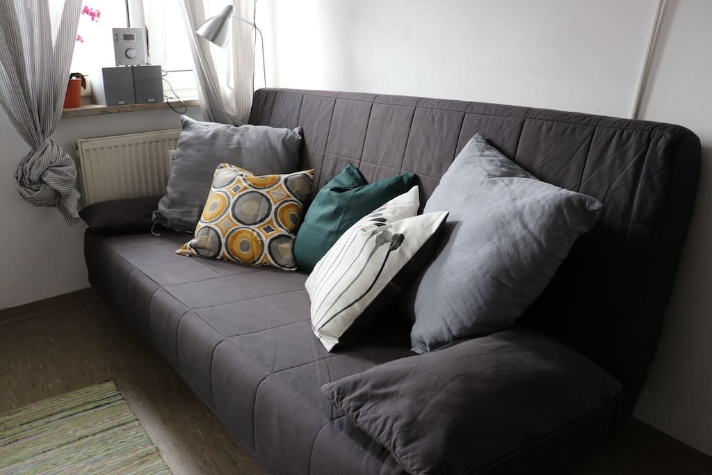 Travelling with the kids? We can accommodate thanks to this sofabed 4 people in total.