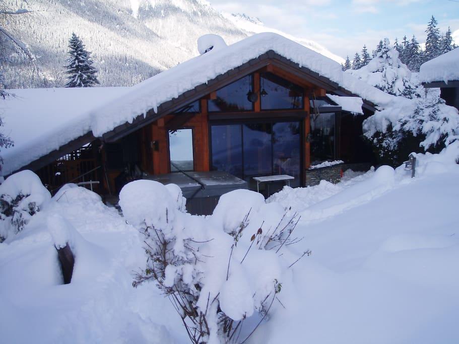 chalet sous la neige!