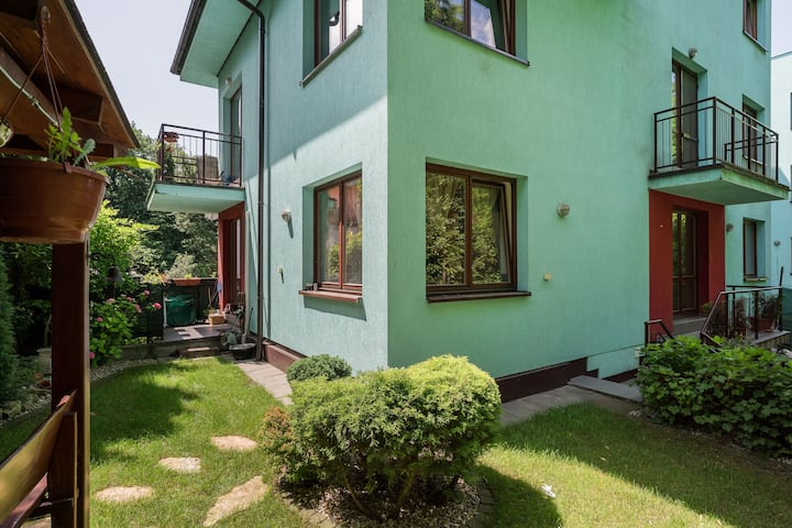 Cool apartment with garden for relax in Old Town