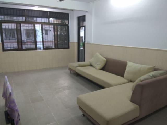 夜市旁的幽静公寓