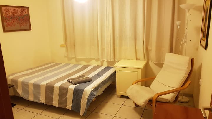 Private room in Hod Hasharon