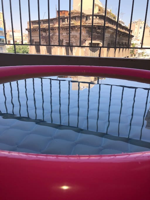 In case you want it, we can prepare for your children or for you-why not??  (for free) a swimming pool in the balcony !!! Just please let us know at least 1 day Before your arrival about it :)