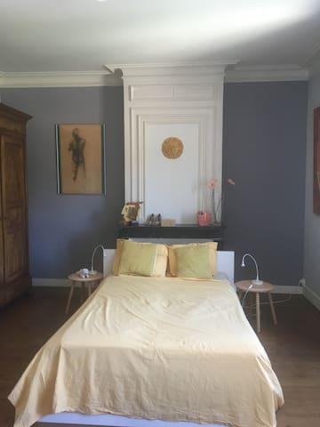 Bedroom 1 (Garden side)