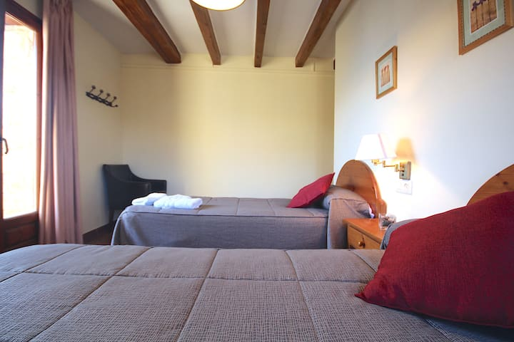 Centre del Montsec - 205 - Twin Room