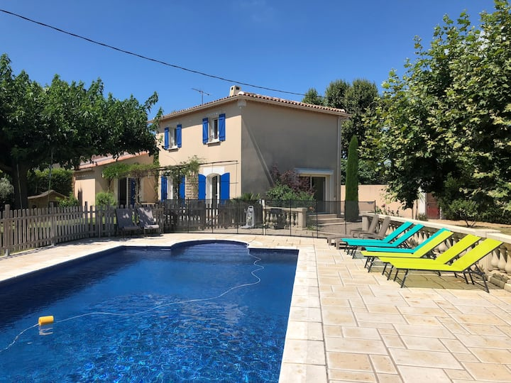 Beautiful Provence Style Villa with Swimming-pool