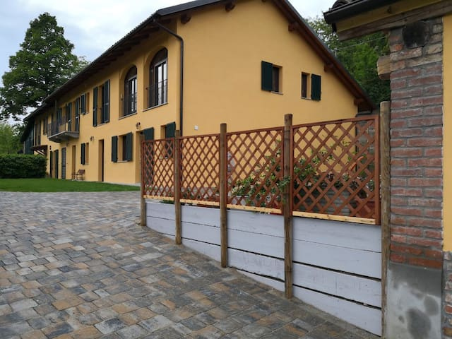 "Country House Cascina Ghitin Relais - ""Vigneti"""