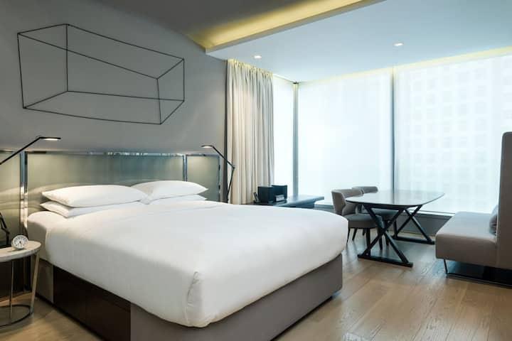 99 Bonham - Premier Suite