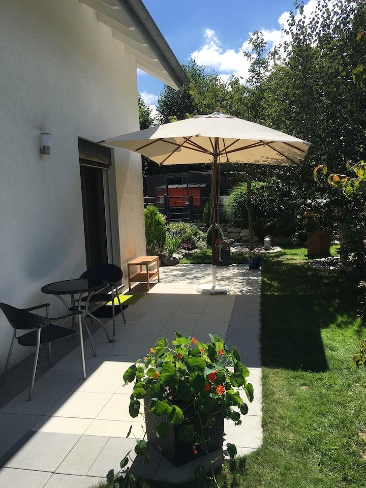 Magnifique Chambre avec coin jardin au calme