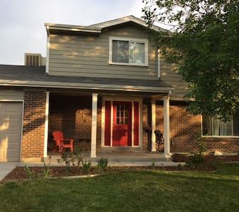 Family Home close to Downtown Denver & Boulder - Arvada - Rumah