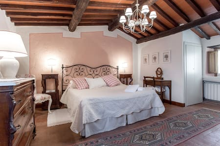 Your home in Chianti: in the center of Castellina