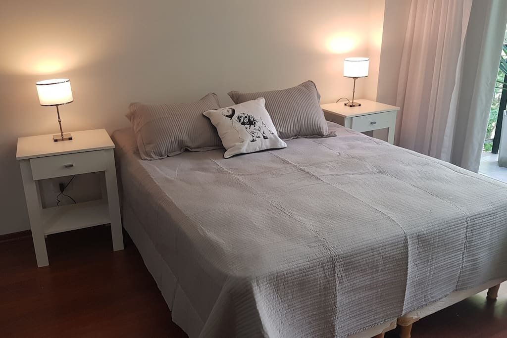 choose 1 Queen bed for 2,  or 2 single bed