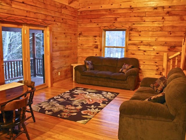 Sturgeon River Luxury Log Home Getaway - Indian River - Casa
