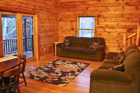 Sturgeon River Luxury Log Home Getaway - Indian River - Dom