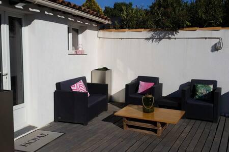 Studio + terrasse de 20 m² entre Aix et Marseille - Cabriès